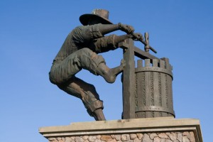 Figure 16–1 The Grape Crusher Sculpture on the road to Napa Valley