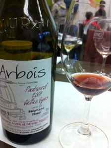 Photo of Arbois Wine by Agne 27, via Wikimedia Commons