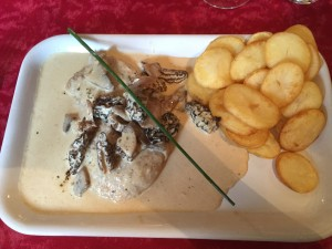 Veal with fresh morel mushrooms and a vin jaune cream sauce.